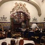 Foto tomada en Café de Tacuba por Norah L. el 11/13/2012