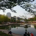 Photo taken at 경북대학교 (Kyungpook National University) by 물안경 on 4/28/2013