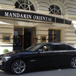 Photo taken at Mandarin Oriental, Munich by Maik L. on 9/28/2012