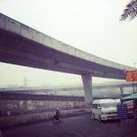 รูปภาพถ่ายที่ Van Station รังสิต - ปากเกร็ด (Rangsit - Pak Kret) โดย Pikaboyz P. เมื่อ 1/24/2013