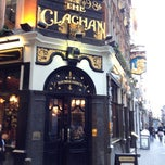 Photo taken at The Clachan by Leo v. on 12/7/2012