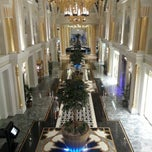Photo taken at Jumeirah Zabeel Saray جميرا زعبيل سراي by Khaled A. on 3/21/2013