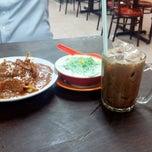 Photo taken at Restoran Rojak & Cendol by Umi Alyaa on 4/6/2015