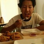 Photo taken at KFC (เคเอฟซี) by Orawan S. on 12/23/2014