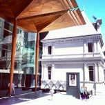 Photo taken at Auckland Art Gallery by Raymond L. on 1/31/2013