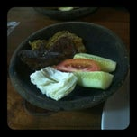 Photo taken at Dapur Penyet by Rienayesha on 2/23/2012