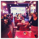 Photo taken at Teacup on Thomas Street by Omer K. on 12/31/2011