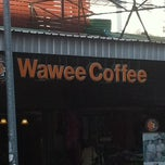 Photo taken at Wawee Coffee (กาแฟวาวี) by Mario on 3/10/2012
