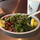 Photo taken at Chipotle Mexican Grill by Jonc R. on 7/18/2012