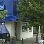 Photo taken at Lake Oswego Ice Creamery by Mark Z. on 6/15/2011