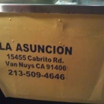 Photo taken at La Asuncion Taco Truck by Manny C. on 9/4/2011