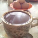 Photo taken at Nan yang coffee shop by Nana K. on 7/12/2012