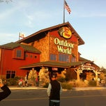 Photo taken at Bass Pro Shops Outdoor World by Alex O. on 4/7/2012
