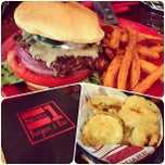 Photo taken at Square 1 Burgers by Mo A. on 7/13/2012