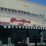 Photo taken at The Cheesecake Factory by Jorge S. on 5/9/2012