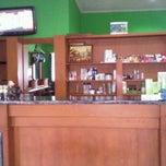 Photo taken at Paras Ayu Salon & Spa by Dee J. on 1/22/2012