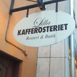 Photo taken at Lilla Kafferosteriet by Mats B. on 2/5/2012