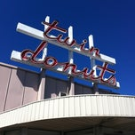 Photo taken at Twin Donuts by Coco on 4/3/2011