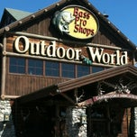 Photo taken at Bass Pro Shops by Monte M. on 7/26/2011