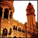 Photo taken at Bangunan Sultan Abdul Samad by Shahzreen on 2/26/2012