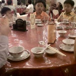 Photo taken at Oriental restaurant by ronny o. on 10/29/2011