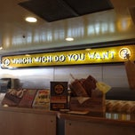 Photo taken at Which Wich? Superior Sandwiches by Cheng-Yang on 8/21/2012