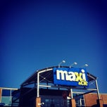 Photo taken at Maxi Bedford by Cliff P. on 3/10/2012
