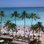 Photo taken at Moana Surfrider, A Westin Resort & Spa, Waikiki Beach by Bill B. on 7/14/2012