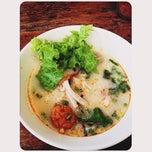 Photo taken at เซียะก๋วยเตี๋ยวปลา | Sia Fish Noodle by Ja T. on 8/20/2012