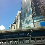 Photo taken at แยกอโศก (Asok Intersection) by NuYui on 8/24/2011