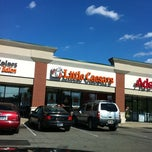 Photo taken at Little Caesars Pizza by G A. on 8/22/2011