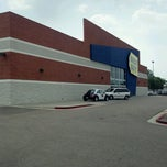 Photo taken at Best Buy by Stan B. on 8/16/2012