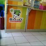 Photo taken at Bakso Kepala Sapi by Yupiter W. on 5/10/2012