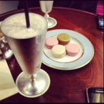 Photo taken at Ladurée by Nouf A. on 9/13/2012