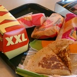 Photo taken at Taco Bell by 💘Nikki Dee💋 on 10/20/2011