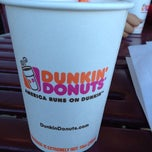 Photo taken at Dunkin Donuts by Juliana Lis M. on 4/17/2012
