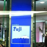 Photo taken at Fuji (ฟูจิ) by Teerapon S. on 12/11/2011