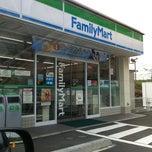 Photo taken at ファミリーマート 磯子三丁目店 by Takanori Y. on 5/13/2011