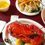 Photo taken at Gilbert's Chowder House by Leonardo G. on 9/5/2012