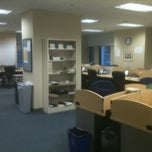 Photo taken at Medill Newsroom by Matthew O. on 8/10/2011