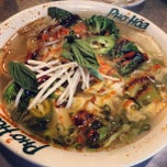 Photo taken at Pho Hoa Noodle Soup by Jared Z. on 2/13/2012