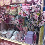 Photo taken at Daiso (ไดโซ) by karuna j. on 4/22/2012
