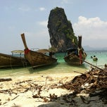 Photo taken at เกาะปอดะ (Poda Island) by Pranan P. on 3/25/2012