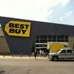 Photo taken at Best Buy by Scott B. on 5/21/2011