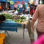 Photo taken at Pasar Malam TTDI by Anfaal 🌹 R. on 2/27/2011