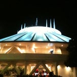 Photo taken at スペース・マウンテン (Space Mountain) by ikuko l. on 8/4/2011