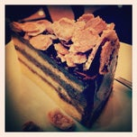 Photo taken at บ้านขนมเค้ก by Tom ™. on 3/8/2012