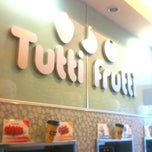 Photo taken at Tutti Frutti by DeeMagicGurl on 1/7/2011