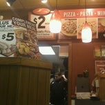 Photo taken at Pizza Hut by Max G. on 2/13/2012