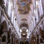 Das Foto wurde bei Alter Peter (Katholische Stadtpfarrei St. Peter) von Yuyi Y. am 7/6/2012 aufgenommen